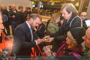 Kinopremiere ´Die Goldfische´ - Cineplexx Donauplex Wien - Do 14.03.2019 - Axel STEIN gibt Autogramme75