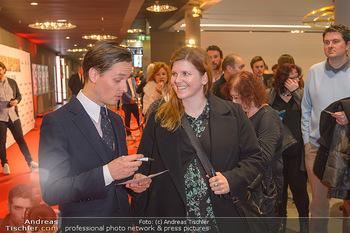 Kinopremiere ´Die Goldfische´ - Cineplexx Donauplex Wien - Do 14.03.2019 - Tom SCHILLING gibt Autogramme88