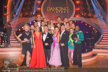 Dancing Stars - ORF Zentrum - Fr 15.03.2019 - Gruppenfoto der neuen Dancing Stars mit den Moderatoren Mirjam W2