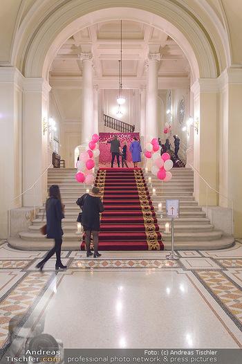 Lancome - Tag des Glücks - Palais Coburg - Mi 20.03.2019 - Eingangsbereich zu den Prunkräumen im Palais Coburg9
