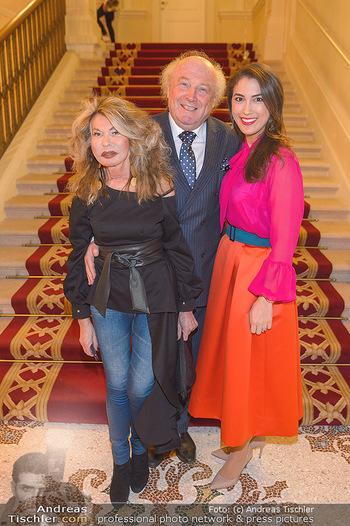 Lancome - Tag des Glücks - Palais Coburg - Mi 20.03.2019 - Friedrich und Jeanine SCHILLER mit Schwiegertochter Victoria KOC16