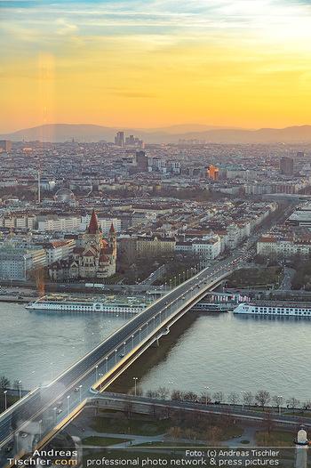Spusu office Erweiterung - DC Tower 1 Wien - Do 21.03.2019 - Ausblick vom 39. Stock des DC Tower 1 über Wien bei Sonnenunter3
