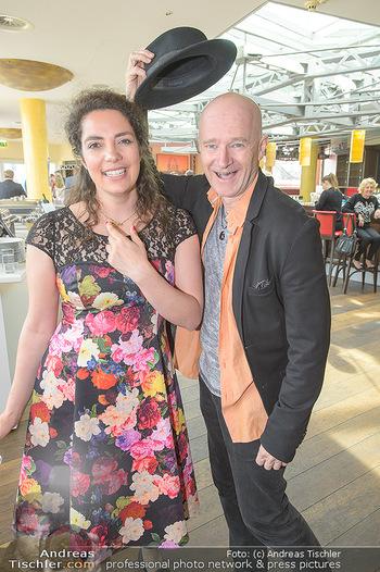 Mörbisch PK zu Land des Lächelns - Waggon 31 Wien - Do 04.04.2019 - Elissa HUBER, Gernot KRANNER22