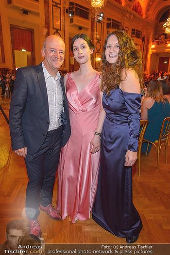 Dancer against Cancer - Hofburg Wien - Sa 06.04.2019 - Andy LEE LANG, Cecile NORDEGG mit Tochter Thanee76