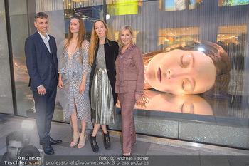 Swarovski Kunstinstallation - Swarovski Store Wien - Mo 08.04.2019 - Stefan ISSER, Iris VAN HERPEN mit Model Iekeliene STANGE, Carla 52