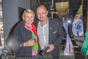 Swarovski Kunstinstallation - Swarovski Store Wien - Mo 08.04.2019 - Marlies MUHR, Gery KESZLER76