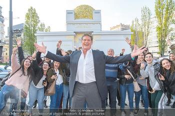 David Hasselhoff für Admiral PK - Novomatic Forum, Wien - Di 09.04.2019 - David HASSELHOFF mit Fans, Touristen1