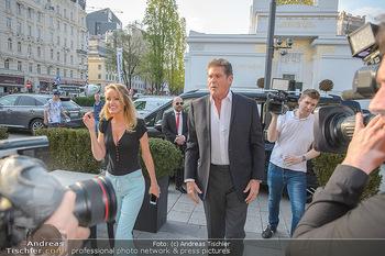 David Hasselhoff für Admiral PK - Novomatic Forum, Wien - Di 09.04.2019 - David HASSELHOFF mit Ehefrau Hayley ROBERTS3