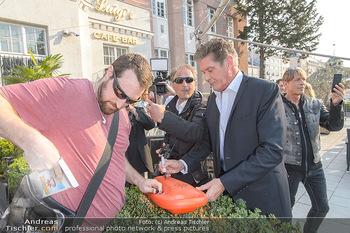 David Hasselhoff für Admiral PK - Novomatic Forum, Wien - Di 09.04.2019 - David HASSELHOFF gibt Autogramme4