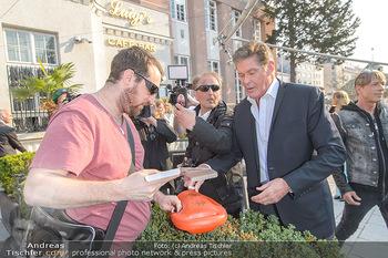 David Hasselhoff für Admiral PK - Novomatic Forum, Wien - Di 09.04.2019 - David HASSELHOFF gibt Autogramme5