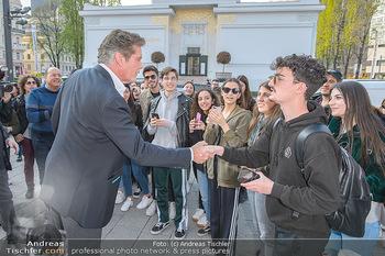 David Hasselhoff für Admiral PK - Novomatic Forum, Wien - Di 09.04.2019 - David HASSELHOFF begrüßt Fans, Touristen11
