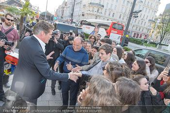 David Hasselhoff für Admiral PK - Novomatic Forum, Wien - Di 09.04.2019 - David HASSELHOFF begrüßt Fans, Touristen13