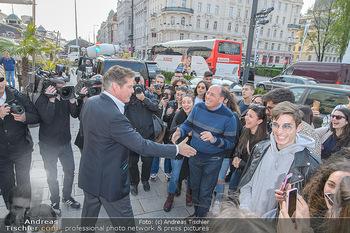 David Hasselhoff für Admiral PK - Novomatic Forum, Wien - Di 09.04.2019 - David HASSELHOFF begrüßt Fans, Touristen15