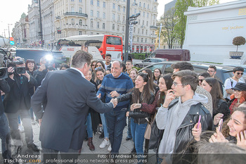 David Hasselhoff für Admiral PK - Novomatic Forum, Wien - Di 09.04.2019 - David HASSELHOFF begrüßt Fans, Touristen16