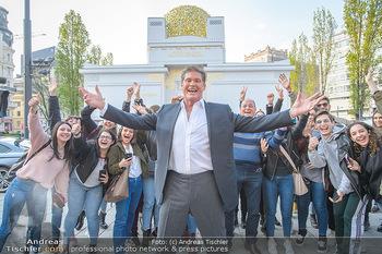 David Hasselhoff für Admiral PK - Novomatic Forum, Wien - Di 09.04.2019 - David HASSELHOFF mit Fans, Touristen23
