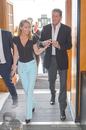 David Hasselhoff für Admiral PK - Novomatic Forum, Wien - Di 09.04.2019 - David HASSELHOFF mit Ehefrau Hayley ROBERTS25