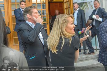David Hasselhoff für Admiral PK - Novomatic Forum, Wien - Di 09.04.2019 - David HASSELHOFF mit Ehefrau Hayley ROBERTS109