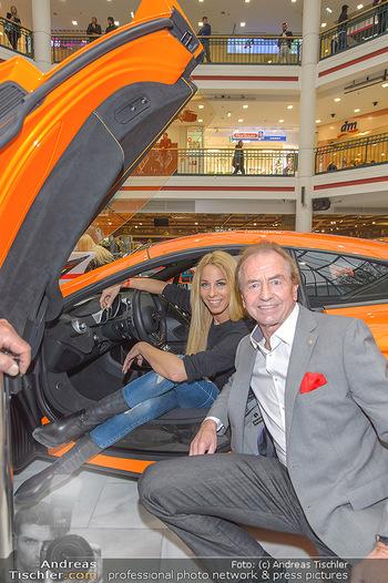 Sportwagenwoche VIP Abend - Lugner City - Mi 10.04.2019 - Heribert KASPER, Yvonne RUEFF6
