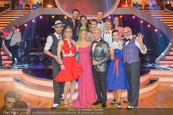 Dancing Stars - ORF Zentrum - Fr 12.04.2019 - Gruppenfoto verbliebene Dancing Stars mit Moderatorien Mirjam WE3