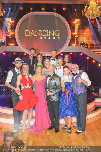 Dancing Stars - ORF Zentrum - Fr 12.04.2019 - Gruppenfoto verbliebene Dancing Stars mit Moderatorien Mirjam WE4