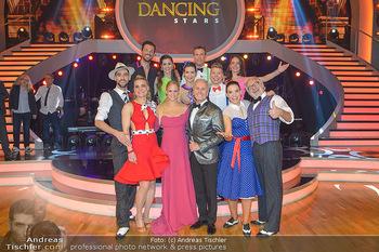 Dancing Stars - ORF Zentrum - Fr 12.04.2019 - Gruppenfoto verbliebene Dancing Stars mit Moderatorien Mirjam WE5
