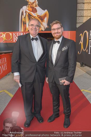 Romy Gala - Red Carpet - Hofburg Wien - Sa 13.04.2019 - Wolfgang BRANDSTETTER mit Sohn Michael Alexander BRANDSTETTER4