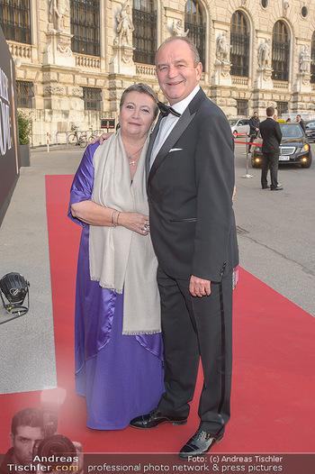 Romy Gala - Red Carpet - Hofburg Wien - Sa 13.04.2019 - Herbert PROHASKA mit Ehefrau Elisabeth8