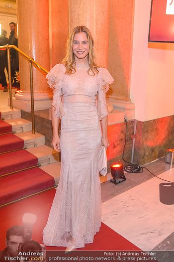 Romy Gala - Red Carpet - Hofburg Wien - Sa 13.04.2019 - Nadeshda BRENNICKE45