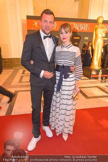 Romy Gala - Red Carpet - Hofburg Wien - Sa 13.04.2019 - Michael GIGERL mit Freundin Stephi48