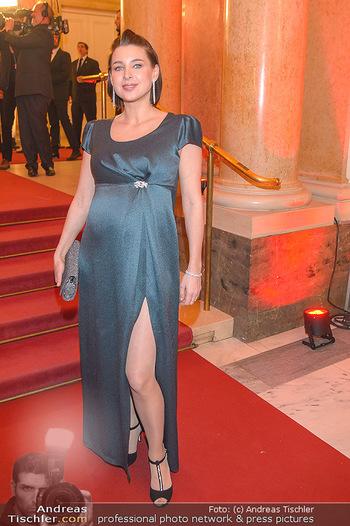 Romy Gala - Red Carpet - Hofburg Wien - Sa 13.04.2019 - Martina EBM (schwanger)100