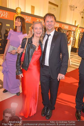 Romy Gala - Red Carpet - Hofburg Wien - Sa 13.04.2019 - Kathrin ZECHNER, Philipp HOCHMAIR113