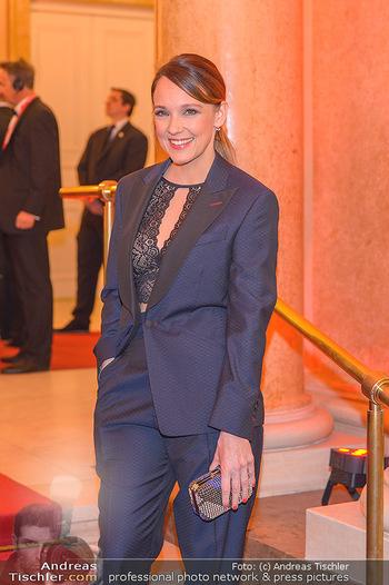 Romy Gala - Red Carpet - Hofburg Wien - Sa 13.04.2019 - Carolin KEBEKUS128