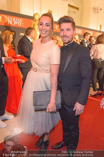 Romy Gala - Red Carpet - Hofburg Wien - Sa 13.04.2019 - Marcel HIRSCHER mit Laura158