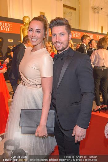 Romy Gala - Red Carpet - Hofburg Wien - Sa 13.04.2019 - Marcel HIRSCHER mit Laura161