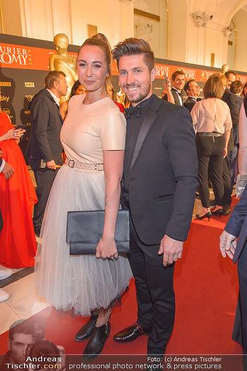 Romy Gala - Red Carpet - Hofburg Wien - Sa 13.04.2019 - Marcel HIRSCHER mit Laura164