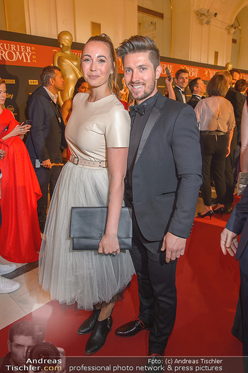Romy Gala - Red Carpet - Hofburg Wien - Sa 13.04.2019 - Marcel HIRSCHER mit Laura165