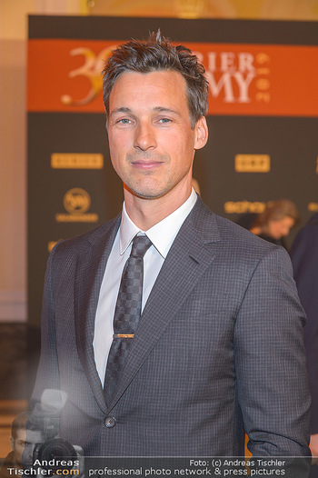 Romy Gala - Red Carpet - Hofburg Wien - Sa 13.04.2019 - Florian David FITZ (Portrait)168