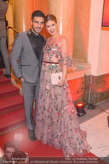 Romy Gala - Red Carpet - Hofburg Wien - Sa 13.04.2019 - Wolke HEGENBARTH, Oliver VAID174