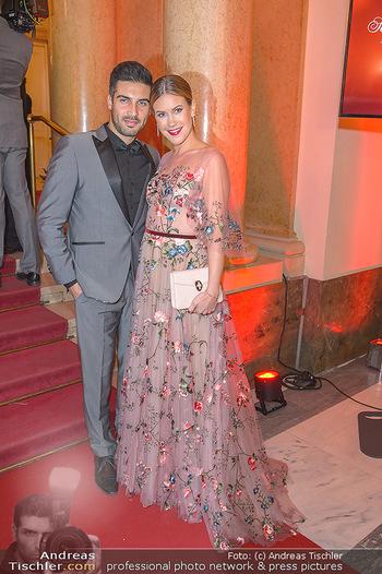 Romy Gala - Red Carpet - Hofburg Wien - Sa 13.04.2019 - Wolke HEGENBARTH, Oliver VAID175