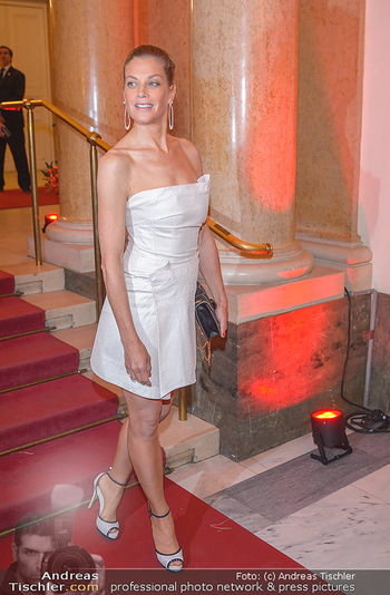 Romy Gala - Red Carpet - Hofburg Wien - Sa 13.04.2019 - Marie BÄUMER182