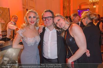 Romy Gala - Party - Hofburg Wien - Sa 13.04.2019 - Nina PROLL, Robert PALFRADER, Silvia SCHNEIDER73