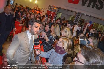 Kinopremiere ´Der Fall Collini´ - Urania Kino Wien - Mo 15.04.2019 - Elyas M´BAREK gibt Interview48