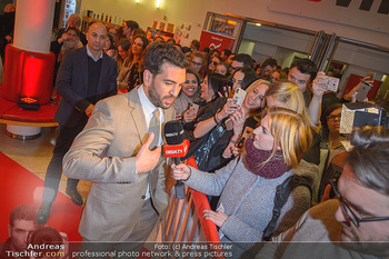 Kinopremiere ´Der Fall Collini´ - Urania Kino Wien - Mo 15.04.2019 - Elyas M´BAREK gibt Interview49