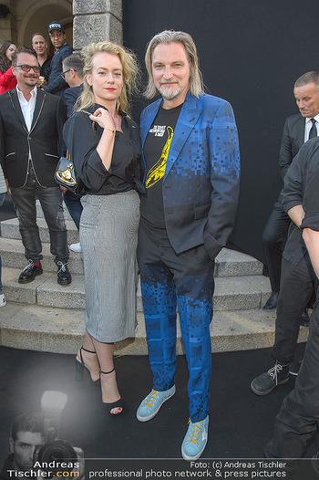 Amadeus Austria Music Awards 2019 - Volkstheater Wien - Do 25.04.2019 - Stefan JÜRGENS mit Freundin Helene STUPNICKI61