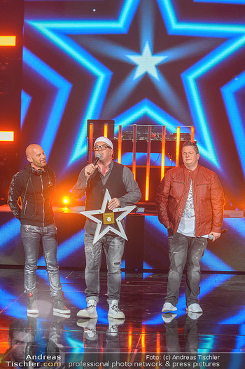 Amadeus Austria Music Awards 2019 - Volkstheater Wien - Do 25.04.2019 - Darius and Finlay übergeben Stern an DJ ÖTZI Gery FRIEDLE (Bü273
