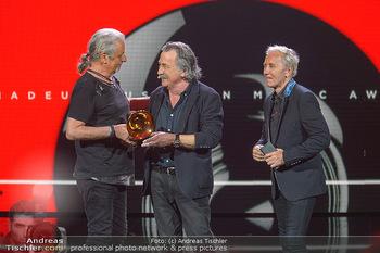 Amadeus Austria Music Awards 2019 - Volkstheater Wien - Do 25.04.2019 - Gert STEINBÄCKER übergibt Award für Lebenswerk an EAV Klaus E292