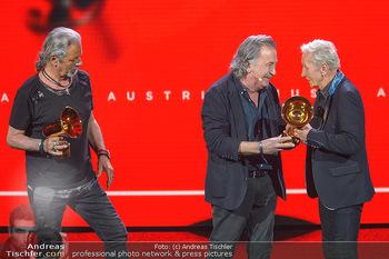 Amadeus Austria Music Awards 2019 - Volkstheater Wien - Do 25.04.2019 - Gert STEINBÄCKER übergibt Award für Lebenswerk an EAV Klaus E294