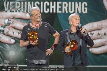 Amadeus Austria Music Awards 2019 - Volkstheater Wien - Do 25.04.2019 - EAV Klaus Eberhartinger, Thomas Spitzer mit Award fürs Lebenswe299
