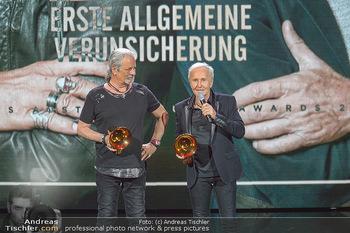 Amadeus Austria Music Awards 2019 - Volkstheater Wien - Do 25.04.2019 - EAV Klaus Eberhartinger, Thomas Spitzer mit Award fürs Lebenswe302