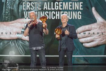 Amadeus Austria Music Awards 2019 - Volkstheater Wien - Do 25.04.2019 - EAV Klaus Eberhartinger, Thomas Spitzer mit Award fürs Lebenswe303
